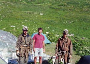 Михаил Главатских, Сергей Маслеников, Петр Любимов 2000 год (лагерь у пещеры Веревкина