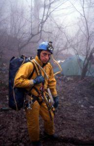 Павел Демидов около пещеры Заблудших 2003 год