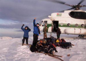 Приземлились на гору Напра. март 2002 год Бзыбский хребе
